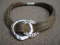 Collier lin naturel 2 cercle metal argenté gravé 100% par espurna88