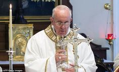 Pope warns young people of the dangers of 'futile' smartphones http://www.dailymail.co.uk/sciencetech/article-2718165/Smartphones-futile-distract-important-things-Pope-warns-young-people-dangers-using-gadgets-much.html