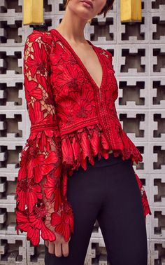 Sewing Blusas Vinton Bell Sleeve Blouse by Alexis Fall Winter 2018 - Love Fashion, Fashion Models, Fashion Looks, Fashion Outfits, Womens Fashion, Fashion Design, Fashion Trends, Fashion Clothes, Trendy Fashion