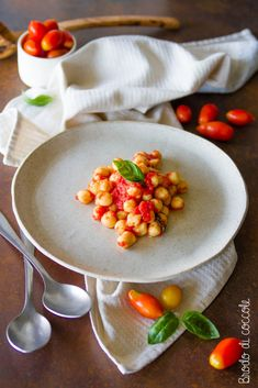 Detox Recipes, Serving Bowls, Beans, Tableware, Kitchen, Food, Tortellini, Winter Time, Meals