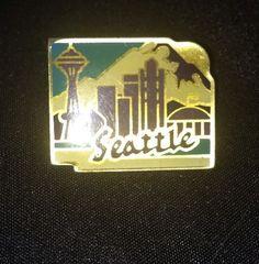 Vintage Seattle Skyline Pin Pinback Space Needle Gold Tone Enamel