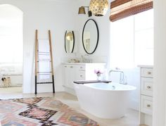 Wonderful boho bathroom decor with classic pattern tile, white bathtub and hanging plant to look awesome - Bathroom Ideas Modern Boho Bathroom, White Bathroom, Beautiful Bathrooms, Master Bathroom, Modern Bathrooms, Serene Bathroom, Moroccan Bathroom, Eclectic Bathroom, Neutral Bathroom