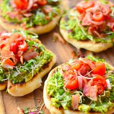Bacon and avocado grill pizzas