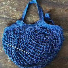 French marketbag, l'authentique filet à commissions pour en finir avec le plastique @sowoolsocool @leteashop @pierre.monaco #crochet #marketbag #crochetaddict #crochetbag #blue #cotton #cottonbag #netbag #ecology #savetheplanet #nofilter #crochetgram #instagood #instamood #instabag #frenchmarketbag #madeinmonaco Dominique, Authentique, Filets, Mood, Monaco, Crochet, Cool Stuff, Instagram, Plastic