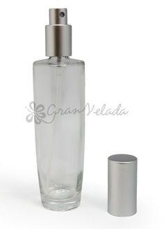 Frasco vacio perfume 100 ml. con tapón pulverizador spray en color plata.