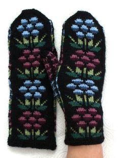 kainuun lapaset 2 | Louhitar | Flickr Mittens, Knitting, Winter, Fashion, Fingerless Mitts, Winter Time, Moda, Tricot, Fashion Styles