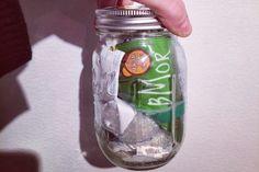 Mein Müll? Passt jeden Monat in ein #Einmachglas. So wenig Abfall produzierte Lauren Singer innerhalb der letzten vier Monate. Tolle Sache  www.flaschenbauer.de