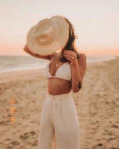 Beach Shoot, Beach Poses, Beach Babe, Summer Beach, Summer Vibes, Photoshoot Beach, Photoshoot Style, Late Summer, Photoshoot Inspiration