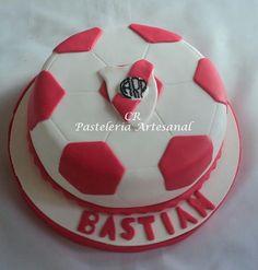 Torta River Plate. Soccer Ball, Plates, Ideas, Food, Tortilla Pie, Pastries, Recipes, Sport Cakes, Avengers Birthday