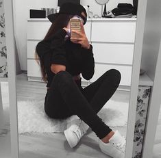 Find images and videos about style, hair and clothes on We Heart It - the app to get lost in what you love. Swag Outfits For Girls, Hipster Outfits, Girl Outfits, Casual Outfits, Cute Outfits, Fashion Outfits, Pink Tumblr Aesthetic, Aesthetic Girl, Cool Girl Pictures
