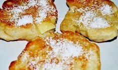 Co musimy mieć?pół kilo mąki pszennej 50 g świeżych drożdży Szczypta soli trzy łyżki cukru jedno jajko półtora kubka podgrzanego mleka trzy jabłka olej do smażenia Jak przygotować? Mąkę przesiewamy do pojemnego naczynia, dodajemy odrobiną soli i dokładnie mieszamy.Pośrodku robimy dołek, kruszymy drożdże i wysypujemy na nie cukier. Potem zalewamy to 1/2 szklanki mleka i ... Pierogi Recipe, Polish Recipes, Polish Food, French Toast, Sweets, Cooking, Breakfast, Desserts, German