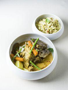 Palócragu akasztói bárányból, tarhonyával - Magyarkonyha Thai Red Curry, Ethnic Recipes, Food, Red Peppers, Eten, Meals, Diet