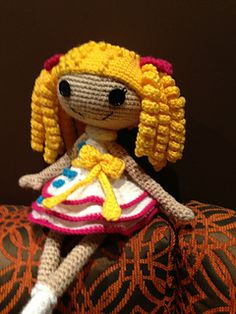 Lala doll in white and yellow ~ free pattern ᛡ
