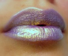 Lilac irredescent lips