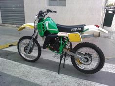 Puch Cobra, Motorcycle Design, Classic Motorcycle, Small Motorcycles, Dirt Bikes, All Cars, Motogp, Motocross, Harley Davidson