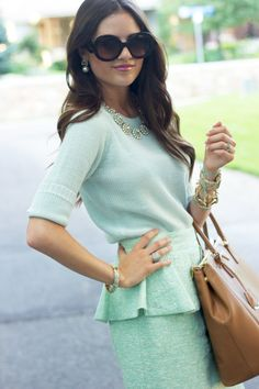 I'm not usually into pastel colors, but the accessories and retro feel of this outfit really impressed me...