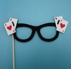 Selfie Booth Ideas: Make Casino Themed Props Las Vegas Party, Vegas Theme, Casino Night Party, Casino Theme Parties, 50th Party, Birthday Party Themes, 007 Casino Royale, Game Night Parties, Fantasias Halloween
