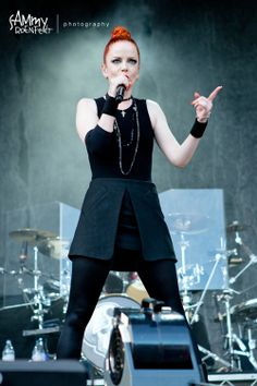 Shirley Manson Garbage   Garbage were so good live!Shirley Manson of Garbage @ Soundwave ...
