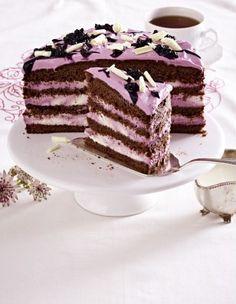 Schokoladen-Brombeer-Torte Rezept - Creme aus Frischkäse, Sahne und Puderzucker