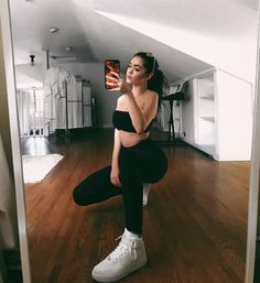Instagram photo mirror selfie ideas ,, model ,, outfit photo ,, posing Trendy Outfits, Summer Outfits, Cute Outfits, Fashion Outfits, Photoshoot Fashion, Best Photo Poses, Picture Poses, Cute Poses For Pictures, Selfie Poses