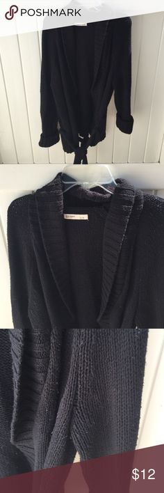 Ok Navy Tie Sweater Chunky tie sweater for cold days! Some light wear. Size Large, Old Navy Old Navy Sweaters Shrugs & Ponchos