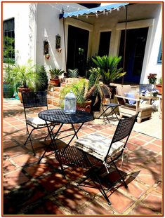 Adorable Design Ideas For Your small Courtyard *** Check over this useful article.