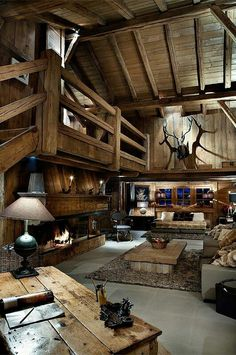 World of Architecture: 30 Rustic Chalet Interior Design Ideas Chalet Interior, Luxury Interior, Modern Interior, Log Cabin Homes, Log Cabins, Barn Homes, Cabins In The Woods, Rustic Interiors, Cabin Interiors