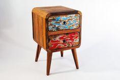 drewniana szafka z Indonezji, ręcznie wykonana z drewna tekowego, recyklingowanego ze starych łodzi