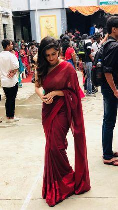 🚨🗣shop herbhandler.cc❌  • •  🚨🗣follow @realherbhandler ❌ Cotton Saree Blouse, Saree Dress, Beautiful Saree, Beautiful Indian Actress, Stylish Blouse Design, Stylish Girls Photos, Ethnic Outfits, Indian Beauty Saree, Indian Attire