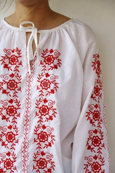 Hungarian Blouse, Vintage 70s Boho Ethnic White Red Floral Embroidered Shirt, Hippie Bohemian Romani Vintage 70s, Vintage Shops, Hippie Bohemian, Boho, 70s Fashion, Fashion Ideas, Tunic Shirt, Blouse Vintage, Ready To Wear