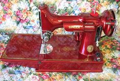 Candy Apple Restored Singer Featherweight...if I could treat myself....