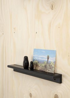 DISPLAY SHELVES—Loris&Livia