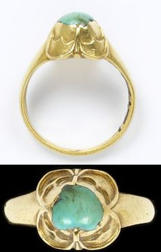 Gold ring with a 4-petal bezel with double cusps, set with a turquoise, Western Europe, 1500-50.