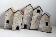 Dorpje in de storm Clay Houses, Ceramic Houses, Miniature Houses, Art Houses, Pottery Houses, Ceramic Techniques, Building Art, Little Houses, Deco