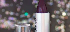 A Griffty Makeup foi uma das novidades da feira Beauty Fair de 2016. Recebi um press kit com alguns dos produtos para testar e mostrar para você leitora. Quer conhecer e saber o que achei sobre a marca? Acesse o blog que hoje conto sobre o batom na cor 26. http://fascinioporesmaltes.com/griffty-makeup-batom-cor-26/