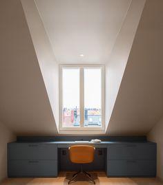 Et un bureau qui épouse l'architecture tout en continuité avec le décor des autres pièces