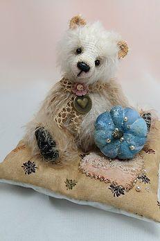 Tabitha by Carolyn Robbins (Warm Heart Bears)
