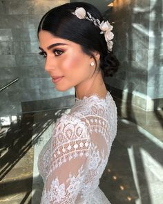 glamorous wedding makeup Mazal tov TEVEL my Makeu Soft Bridal Makeup, Wedding Makeup For Brown Eyes, Natural Wedding Makeup, Bride Makeup, Wedding Hair And Makeup, Bridal Beauty, Hair Wedding, Loose Hairstyles, Bride Hairstyles
