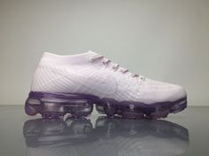 Nike Air VaporMax 2018 849557501 White Pink Shoes 4 Curvy Petite Fashion, Nike Air Vapormax, New York Fashion, Milan Fashion Weeks, Victorias Secret Models, Running Shoes Nike, Africa Fashion, Pink Shoes, Sneakers Nike
