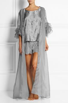 Fashion and fantasy meet with Rosamosario's gray silk-organza robe. This morning coat-inspired design contrasts voluminous ruffled cuffs with a floor-sweeping silhouette - define your waist with the pure silk-satin sash...