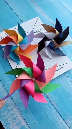 Basteln Diy Origami Rainbow Windmill origami Basteln DIY how to fold origami crane Origami Rainbow Windmill Paper Crafts Origami, Paper Crafts For Kids, Preschool Crafts, Bird Paper Craft, Paper Birds, Cardboard Crafts, Diy Crafts Hacks, Diy Crafts For Gifts, Fun Crafts