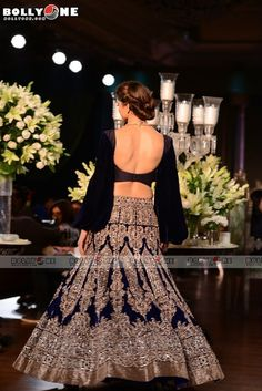#ChennaiExpress star #DeepikaPadukone flaunts her sexy back on the ramp for ace designer Manish Malhotra at PCJ Delhi Couture Week 2013.  The #backless formula is wonderful; and Deepika always looks hot as well as glamorous in both eastern and western attires.  Are you agree with us and loved this avatar of Deepika??? Repin and spread your love for Deepika