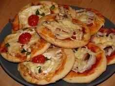 Slané koláč ky z DP recept - TopRecepty. Snacks, Easy Dinner Recipes, Pizza, Ham, Food And Drink, Baking, Breakfast, Ethnic Recipes, Desserts
