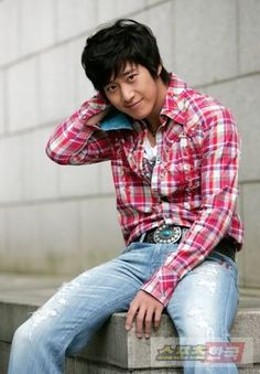 Im so crazy for Lee Wan now. Isnt he Handsome girls? Lee Wan, Kim Hyung, Handsome, Men Casual, Plaid, Mens Tops, Fashion, Gingham, Moda