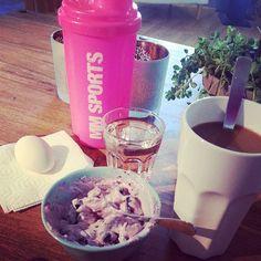 After 1 hour powerwalk... #coffee #kesella #kvarg #blueberry #mmsports #workout #water #egg #ägg #protein #proteinshake #pw #powerwalk #Padgram