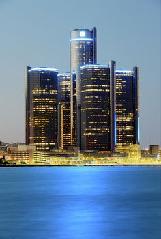 GM Renaissance Center, Detroit | Michigan (by Tony Shi.)
