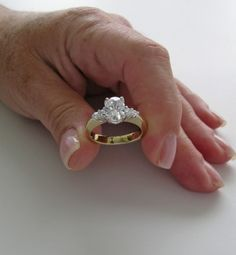 Oval Engagement Ring for Unforgettable Moment
