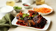 These Asian-Style Short Ribs Are Just 334 Calories Pork Recipes, Slow Cooker Recipes, Crockpot Recipes, Cooking Recipes, Asian Recipes, Crockpot Dishes, Japanese Recipes, Asian Foods, Gourmet