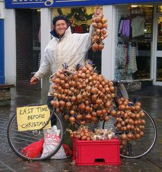 'Johnny Onions' was the nickname given to the Breton onion-sellers who travelled annually to Wales and other parts of Britain. The first 'Johnny Onions' or 'Sioni Winwns' landed in Plymouth in 1828, and they remained a familiar sight in many Welsh towns and villages up until the 1970s.