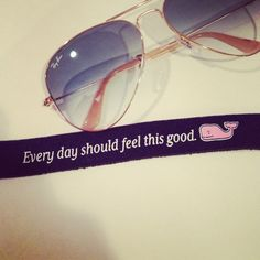 Vineyard Vines and Raybans Preppy Girl, Preppy Style, My Style, Party Like Gatsby, Southern Belle, Southern Prep, Prep Life, Sunglasses Case, Sunnies